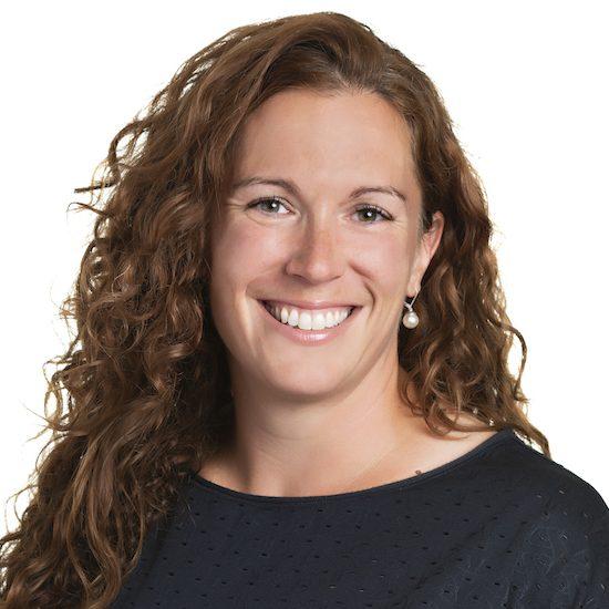 Carolyne mainville ergothérapeute spécialiste de la réadaptation assistée par le cheval