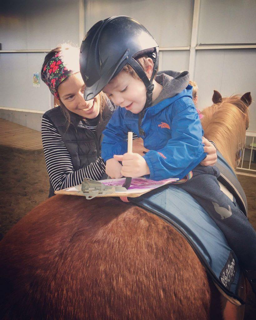 Formation sur la réadaptation assistée par le cheval.