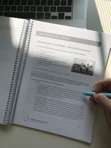 Lors de nos formations pour les ergothérapeutes, physiothérapeutes, orthophonistes, vous obtiendrez ce cahier de formation Re.a.ch
