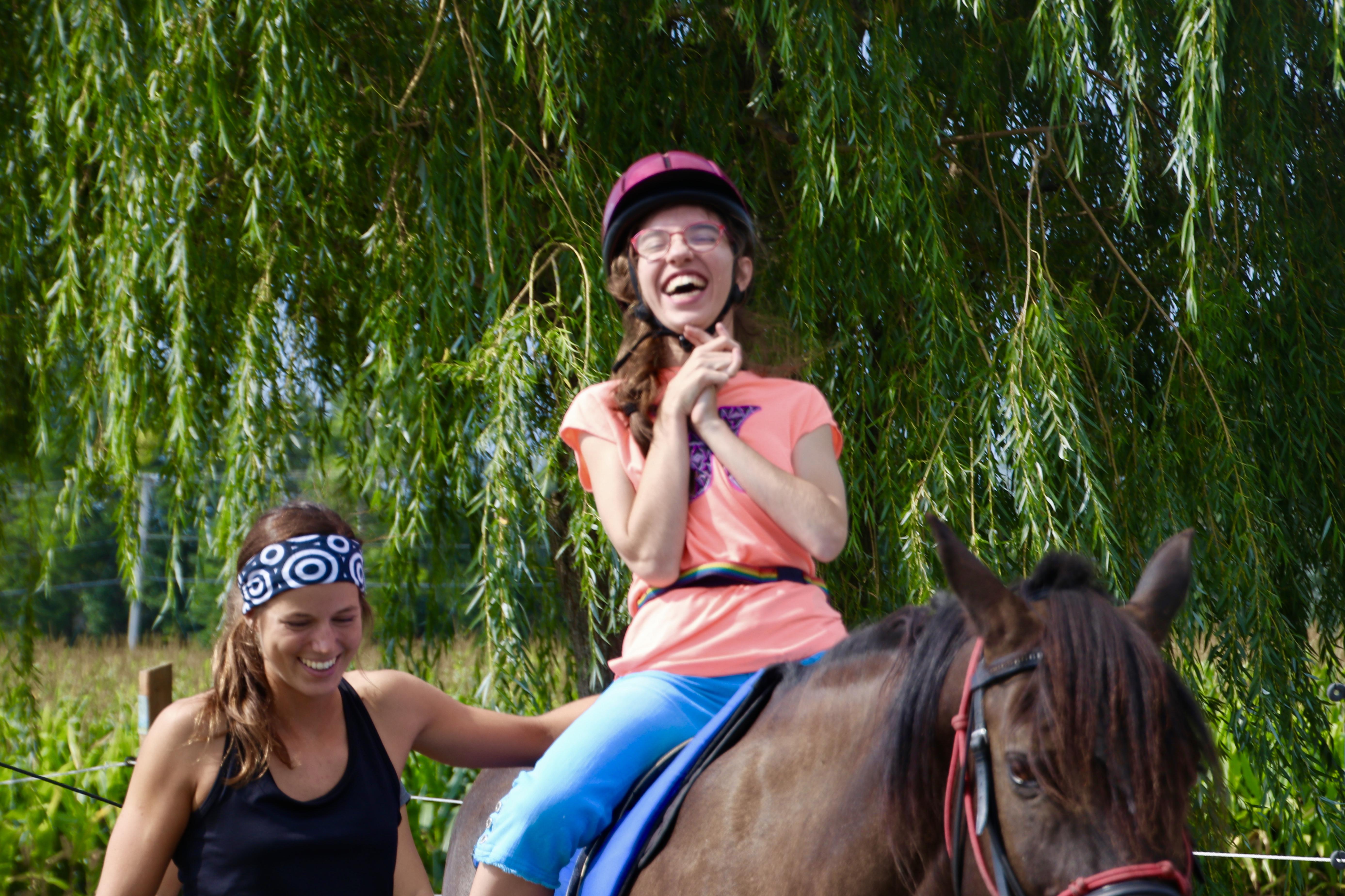 Article de blogue sur l'apport du cheval dans intervention sur particularités sensorielles